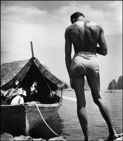 Todays Pictures: Herbert List at the Beach
